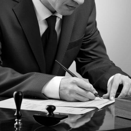 Contrattualistica, avvocato contratti, contratti, avvocato contratti cagliari, avvocato per contratti